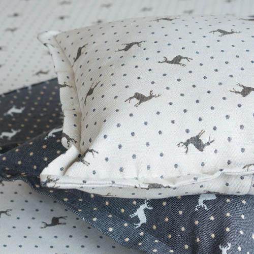 Onlineshop für Kissen und Tischdecken Mit Liebe dekoriert