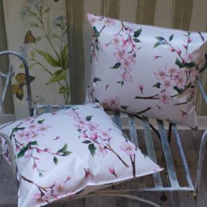 Wachstuch / Outdoor Kissen Kirschblüte