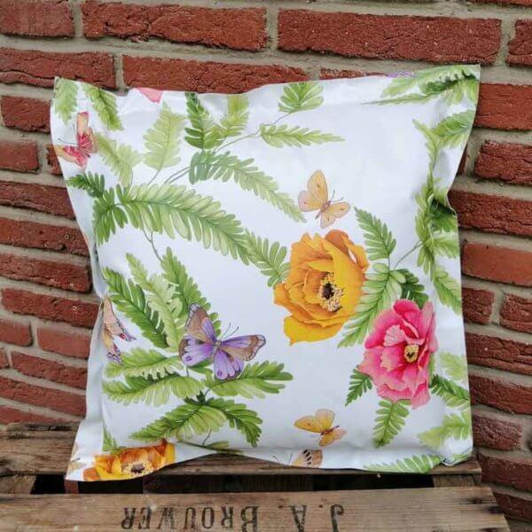 Wachstuch Kissen Blume mit Schmetterling 50x50cm