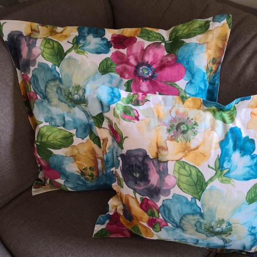 Kissenhülle Blumen bunt aus Stoff 2 Kissen