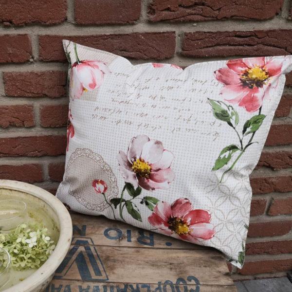Trendiges Loungekissen Blumen Outdoor