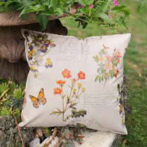 Outdoorkissen Frühblüher beige - Zierkissen im Garten