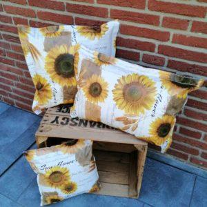Gartenkissen Sonnenblumen aus Wachstuch 3 Größen