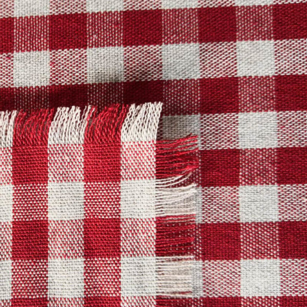Mitteldecke rot kariert aus Stoff mit Fransenrand