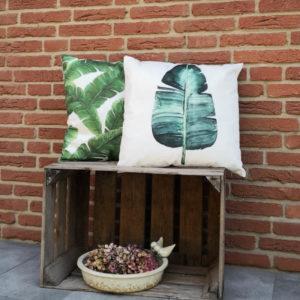 Trendiges Kissen Palmenblätter in grün & Kissen Palmenblatt