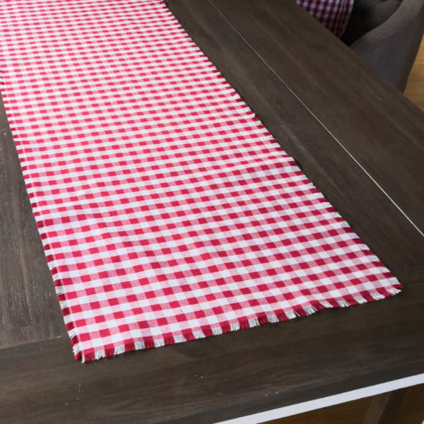 Tischläufer Rot kariert aus Stoff Close