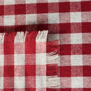 Tischläufer rot kariert (Stoffmuster)