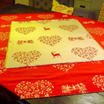Weihnachtsbaumdecke Hirsch rot und creme (Wendedecke)
