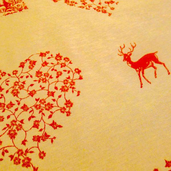Weihnachtsbaumdecke Hirsch mit Herzen creme