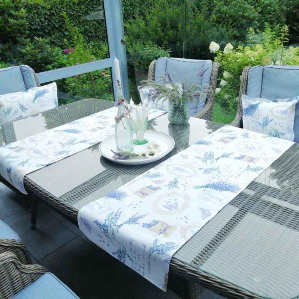 Tischläufer Lavendel für den Gartentisch