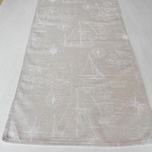 Tischläufer beige mit weißen Muster im maritimen Stil