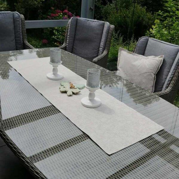 Tischläufer beige mit weißen Rosen (beschichtet)