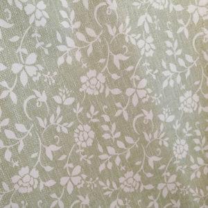 Tischdecke Grün mit weißen Blumenranken