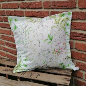 Bodenkissen Outdoor mit Wiesenblümchen (beschichtet) 60x60cm