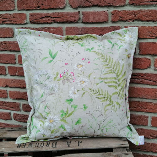 Bodenkissen Outdoor mit Wiesenblümchen (beschichtet) 50x50cm