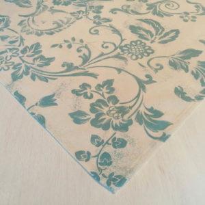 Mitteldecke weiß mit blauen Ornamenten