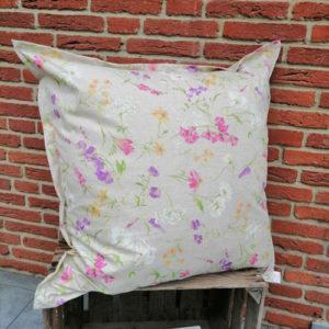 Outdoor Kissenhülle - Blumen auf der Wiese 80x80cm