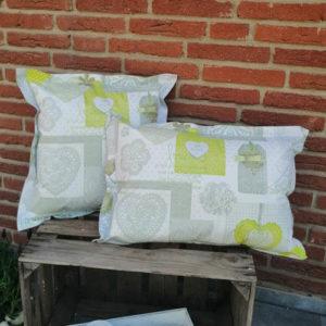 Outdoor- /Wachstuch Kissen Herzen grün 2 Größen