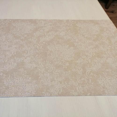 Tischläufer Beige mit weißen Blütenranken Closeup