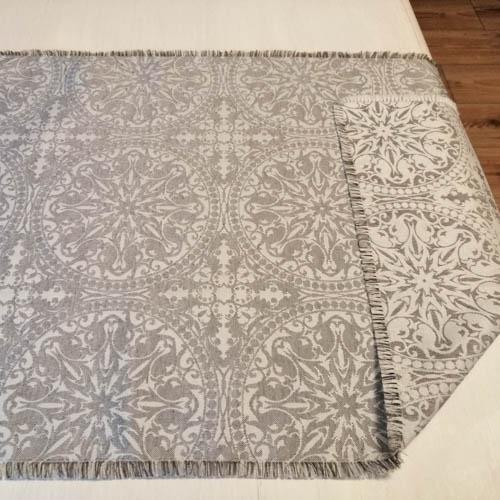 Tischläufer Graue Ornamente aus Jacquardstoff 2 Seiten