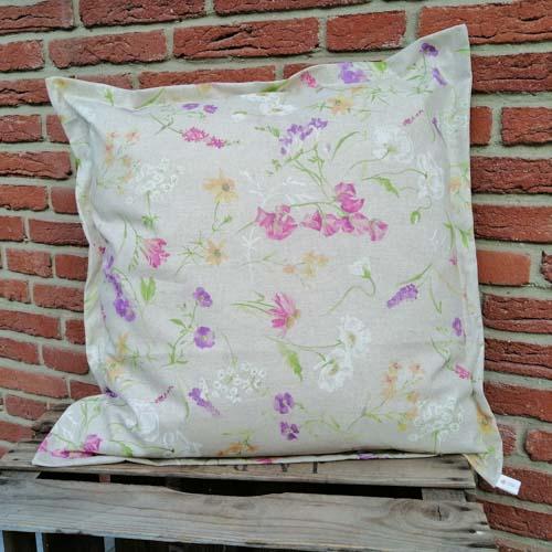 Outdoor Kissenhülle - Blumen auf der Wiese 50x50cm
