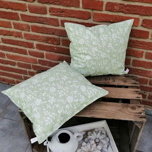 Outdoorkissen Grün mit weißen Blumenranken 2 kleine Kissen