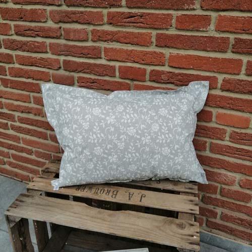 Outdoorkissen grau mit weißen Blumenranken 40x60cm