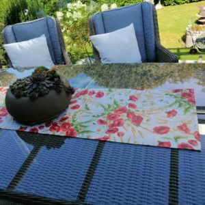 Tischläufer hell mit Mohn Motiv beschichtete Baumwolle