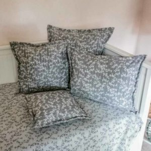 Kissenbezug Ranken aus Jacquard grau