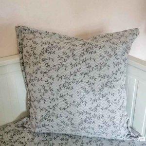 Kissenbezug Ranken aus Jacquard in hellgrau 60x60cm