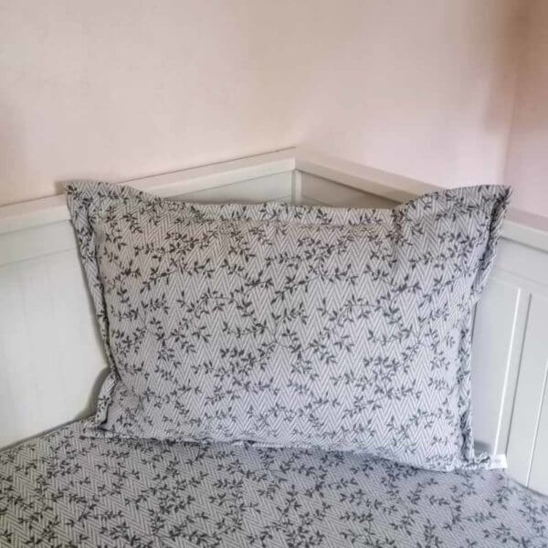 Kissenbezug Ranken aus Jacquard in hellgrau 40x60cm