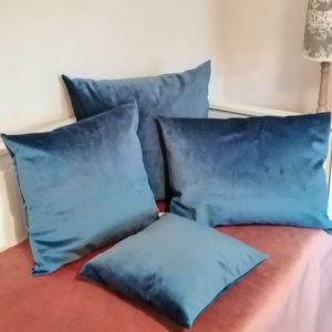 Samt Kissen blau – Kissenhülle für die Couch