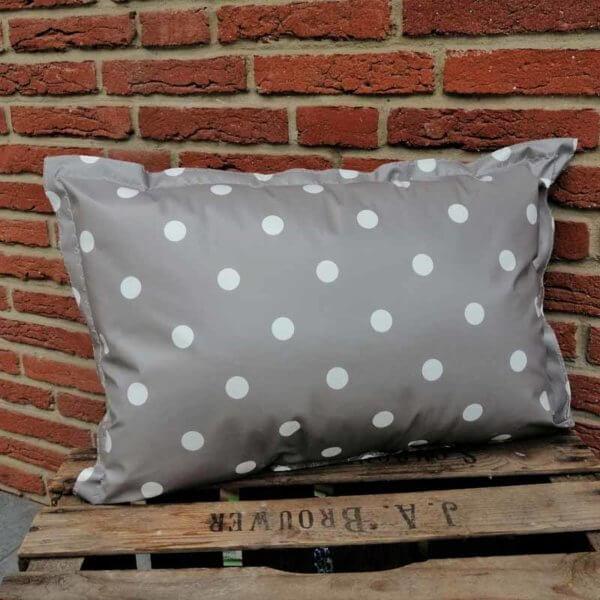 Outdoor Kissen Punkte grau aus Wachstuch 40x60cm