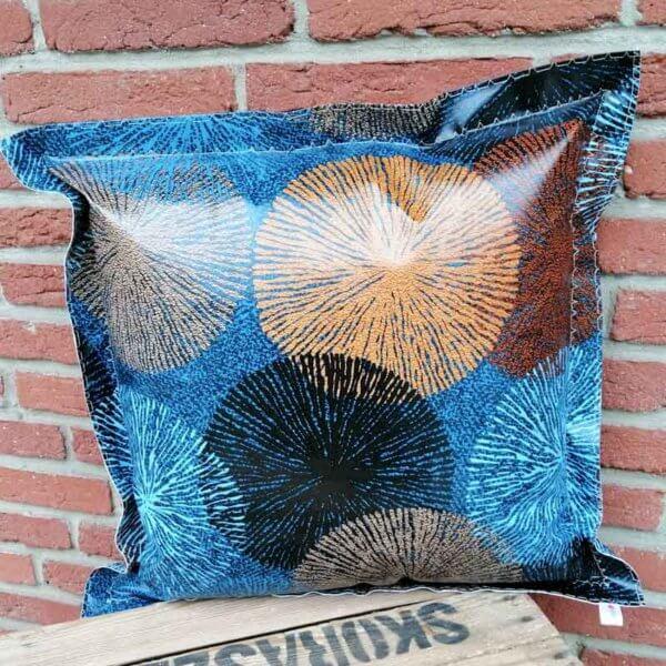 Gartenkissen Blau und Braun mit Ornamenten 50x50cm
