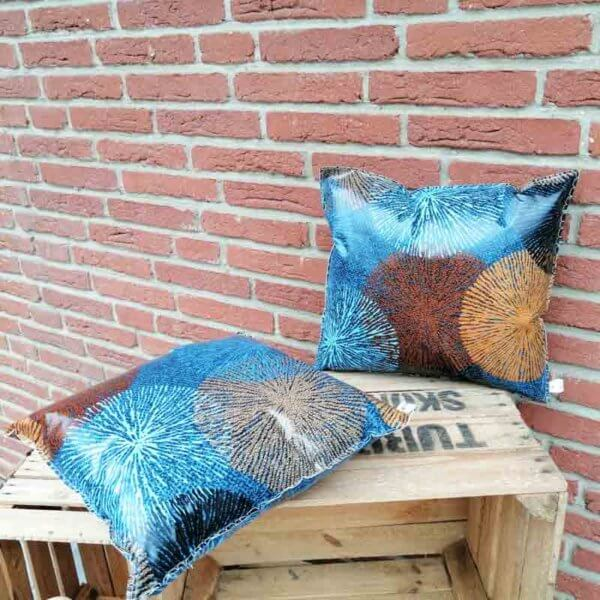 Gartenkissen Blau und Braun mit Ornamenten 40x40cm