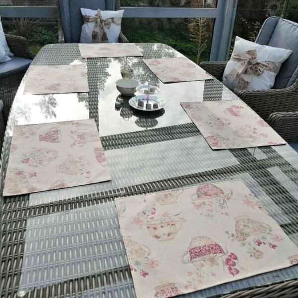 Platzset Tasse mit Blumen für draußen / Tischsets