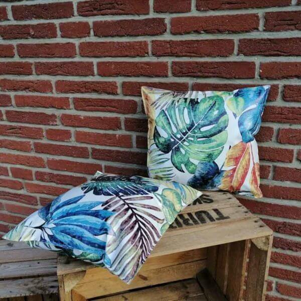 Outdoor Kissen Tropenblätter aus Wachstuch 40x40cm