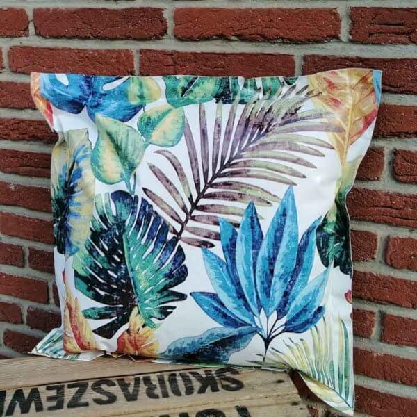 Outdoor Kissen Tropenblätter aus Wachstuch 50x50cm