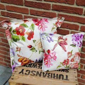 Kissen romantische Blumen aus Wachstuch 2 Größen