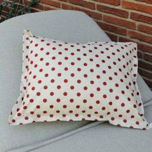 Wetterfeste Kissen für den Garten – Punkte rot 40x60cm
