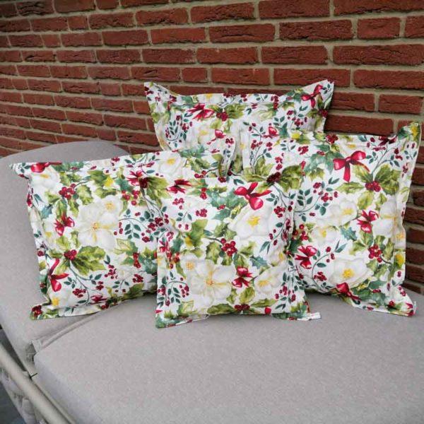 Kissenhülle mit Christrose aus beschichteter Baumwolle
