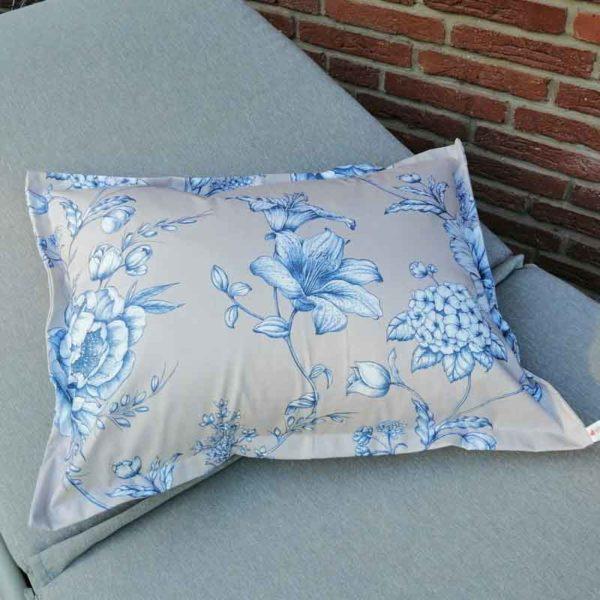 Kissen mit blauen Blumen 45x60cm