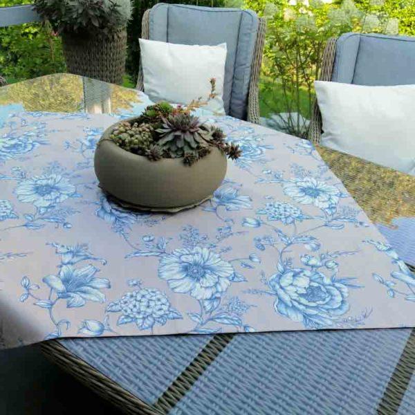 Mitteldecke Beige mit blauen Blumen