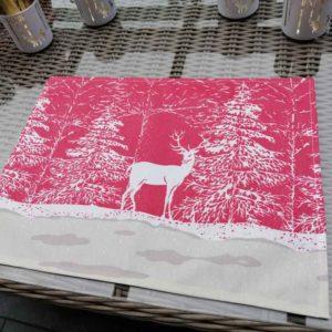 Tischset mit Hirsch im Schnee (beschichtet)