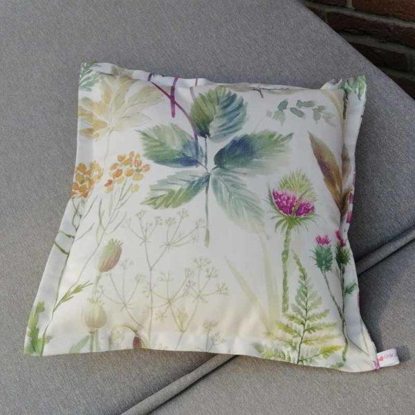 Sofakissen mit schönen Wildblumen verschiedene Größen 40x40cm