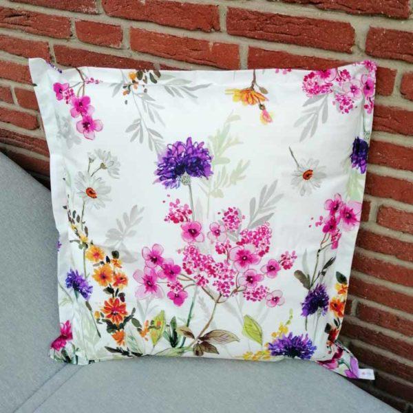 Kissen Blumenwiese für Outdoorbereich 50x50cm