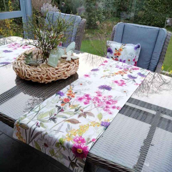 Tischläufer Blumenwiese für Balkontisch